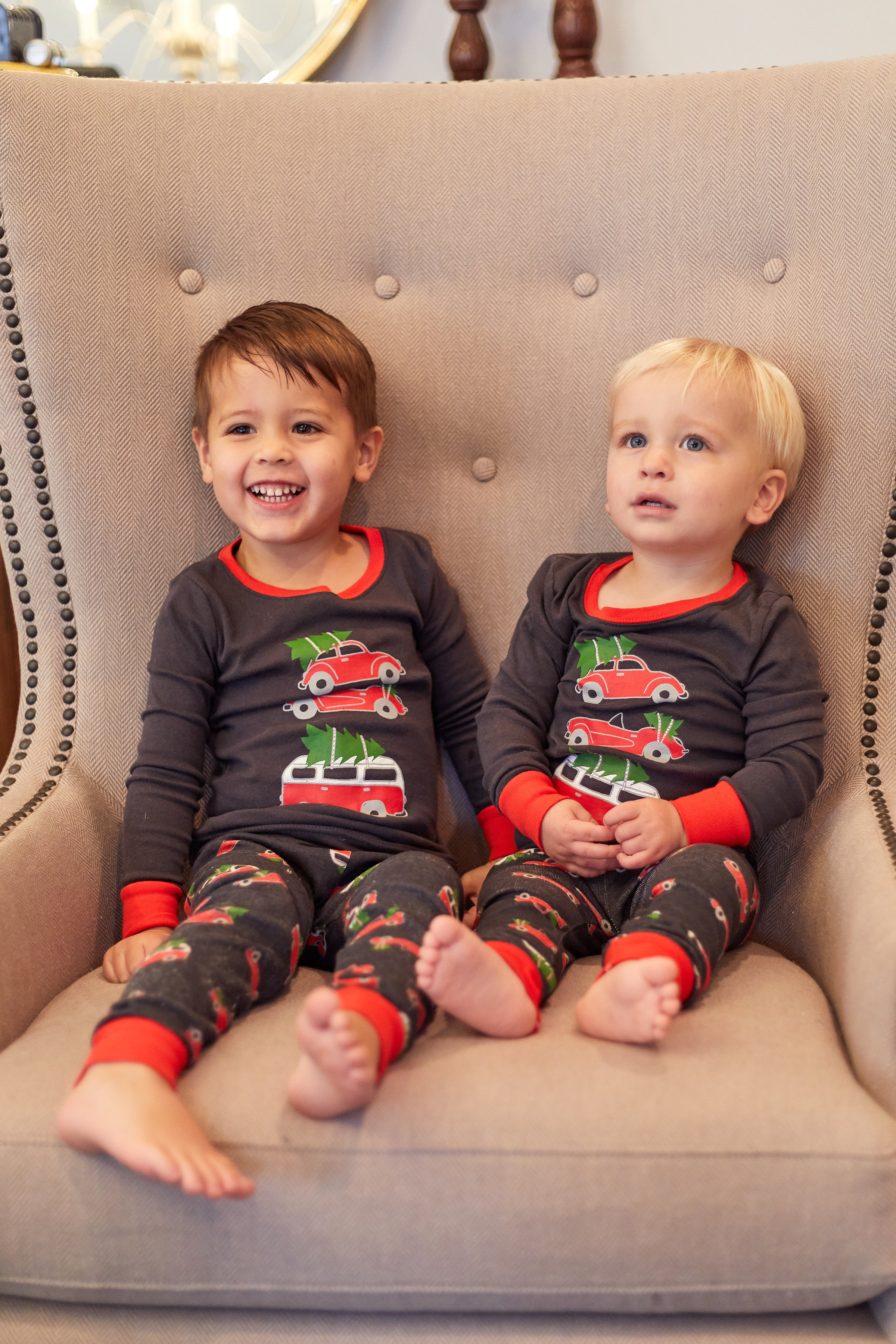 Holiday Pajamas for Kids – Laureen Loves 8f640c507