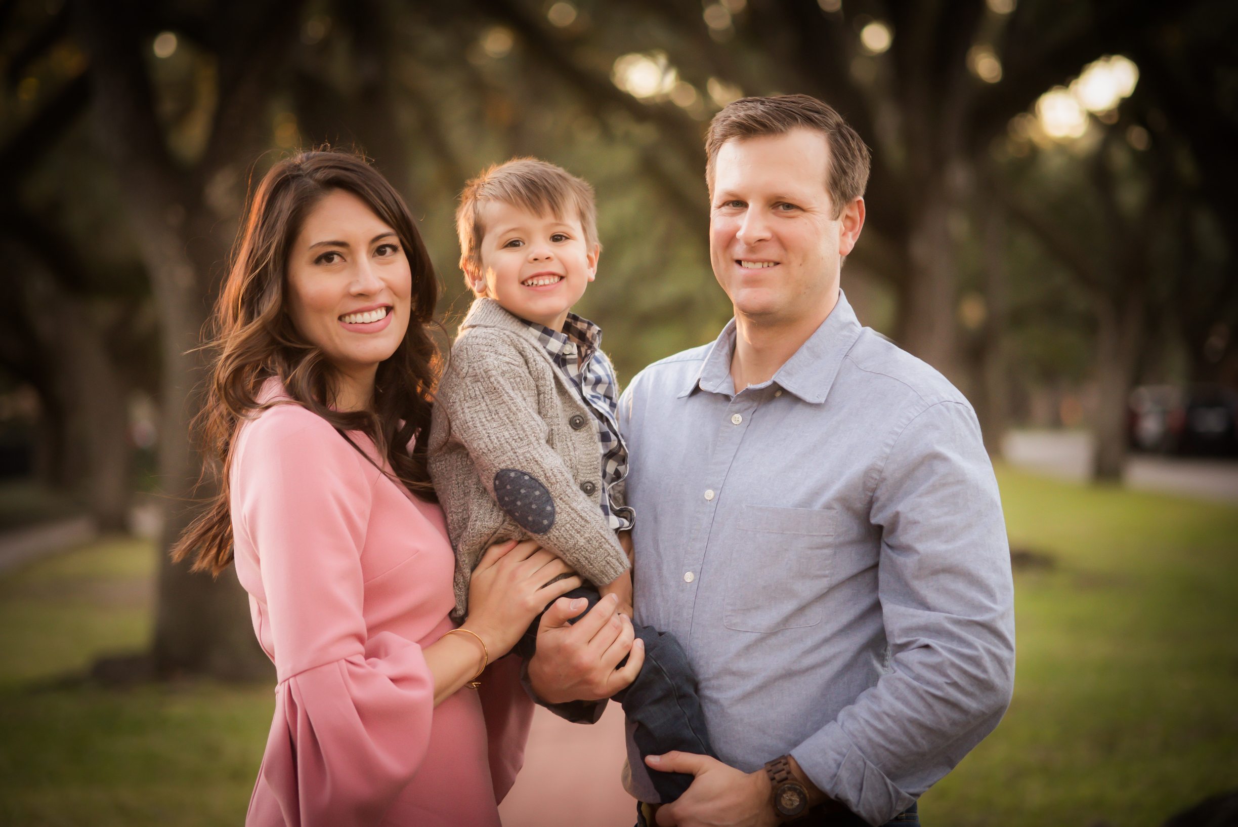 pink bell sleeve dress, atascocita family photographer, eagle springs family photographer, Houston family portraits